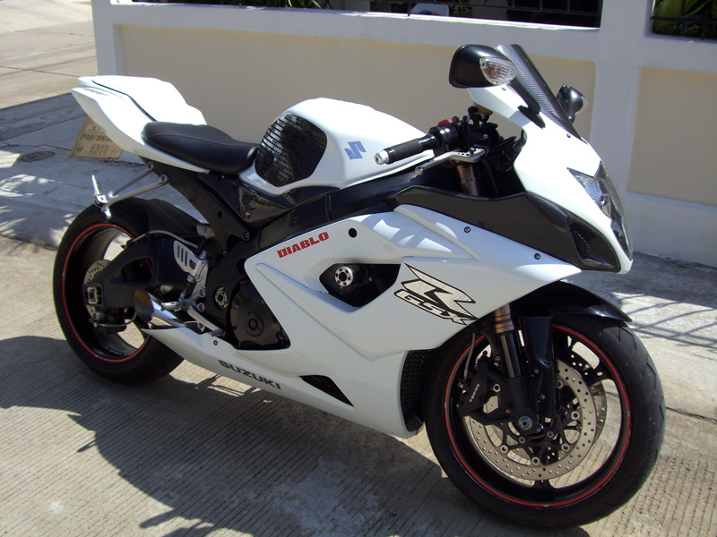 suzuki gsx r 1000 k5 gixxer with book and plate for sale. Black Bedroom Furniture Sets. Home Design Ideas